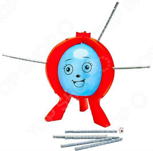Игра настольная Bradex «Лопни шар»Логические и стратегические настольные игры<br>Развлекательная игра настольная Bradex Лопни шар понравится как взрослому, так и ребенку. Играть в нее может как один человек, так и целая компания. Перед началом игры нужно поместить надувной шар в подставку, надуть и завязать его. Собрав разу из трех элементов вокруг шара, поместите палочки в специальные отверстия в раме, не вкручивая их. Можно начинать играть! Каждый участник по-очереди бросает кости и прокручивает палочки столько раз, сколько выпало на игровом кубике. Цель игры: не лопнуть надувной шар. Прокручивать палочки следует осторожно, проявив смекалку и терпение. Игра заканчивается, когда кто-то лопает шарик. Спустя несколько раундов, победителем становится тот, кто ни разу не лопал шар.<br>