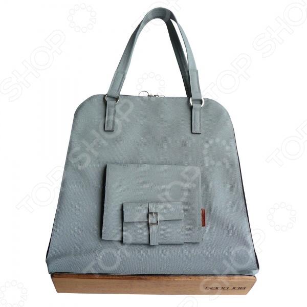 Сумка GOODJOB Pouch поможет вам завершить ваш образ. Такая оригинальная сумка это стильный и качественный аксессуар, при этом она весьма практична. Жители мегаполиса по достоинству оценят ее вместительность, ведь в нее поместится все необходимое, что может понадобится по дороге на работу или во время прогулки. Все мелочи, которые всегда дожны быть под рукой, можно хранить в специальном внешнем кармане.