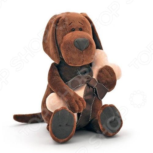 Мягкая игрушка Fluffy Family «Пёс Барбоська с косточкой»Мягкие игрушки<br>Мягкая игрушка Fluffy Family Пёс Барбоська с косточкой это замечательный подарок вашему малышу! Забавный зверек с длинными ушками и добрыми глазками украсит любую детскую комнату и принесет радость и веселье во время игр. Игрушка изготовлена из гипоаллергенного текстиля, а фурнитура выполнена из пластика. Все материалы абсолютно безвредны для здоровья ребенка. Fluffy Family Пёс Барбоська с косточкой поможет развить тактильные навыки, воображение, зрительную координацию и мелкую моторику рук. Изделие можно стирать в стиральной машинке при температуре не выше 30 C.<br>