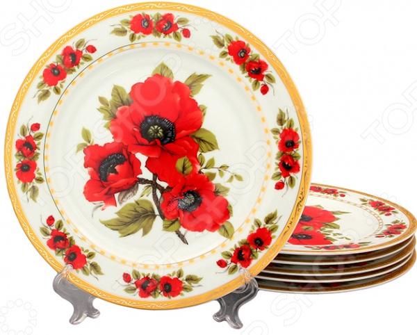 Набор тарелок Elan Gallery «Маки» 503620Обеденные тарелки<br>Набор тарелок Elan Gallery Маки 503620 прекрасно подойдет для сервировки холодных и горячих закусок, нарезок, фруктовых и овощных ассорти, кондитерских изделий, выпечки и пр. Тарелки не только универсальны, но и красивы. Оригинальное исполнение в сочетании с насыщенной цветовой гаммой и цветочным узором делает эти изделия настоящим украшением кухонного интерьера и праздничного стола. Полезные свойства:  Универсальность и практичность;  Высококачественный материал керамика;  Красивый дизайн;  Приятная расцветка;  Легкость использования. Качество: Изделия выполнены из высококачественной керамики, которая обладает широчайшим спектром достоинств. Она не содержит вредных компонентов и прекрасно взаимодействует с продуктами, легко очищается и не впитывает запахи. Керамика устойчива к повышенным температурам и воздействию различных химических веществ. Во время мытья не рекомендуется использовать чистящие средства с абразивными включениями.<br>