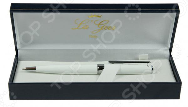 Ручка шариковая La Geer 50263-BPРучки и аксессуары<br>Ручка шариковая La Geer 50263-BP канцелярская шариковая ручка, которая прекрасно лежит в руке и очень практична в любой ситуации. Выполнена из прочного материала и снабжена креплением для кармана. Стильный дизайн сделает эту ручку подходящим подарком для друга или коллеги.<br>