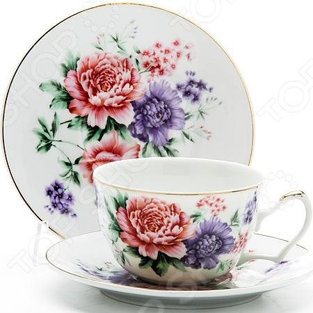 Чайный набор Loraine LR-24596Чайные и кофейные сервизы и наборы<br>Сервировка чайного столика не менее важна, чем сервировка основного праздничного стола, ведь качественная и красивая посуда позволит не только в полной мере насладиться напитком, но и получить эстетическое удовольствие от самого чаепития. Элегантный и красивый чайный набор Loraine LR-24596 рассчитан на 2 персоны, поэтому он будет уместно смотреться, как на романтических встречах за чашечкой чая или кофе, так и на дружеских посиделках. Аккуратные чашечки и блюдца выполнены из высококачественной керамики. Однако несмотря на свою внешнюю хрупкость, они отличаются прочностью, легкостью, практичностью и эстетичностью. Они легко справляются с высокими температурами, а качественное покрытие не позволит внутренней стороне потемнеть, даже если вы предпочитаете очень крепкий чай или кофе. Нежный дизайн с очаровательным цветочным рисунком является дополнительным преимуществом этой чайной пары, которое оценят даже самые взыскательные ценители стиля и красоты. Чайный набор Loraine LR-24596 станет идеальным и незаменимым подарком, который по достоинству оценят ваши друзья и близкие! Набору пакован в подарочную коробку, с внутренней части задрапированной белым атласом.<br>