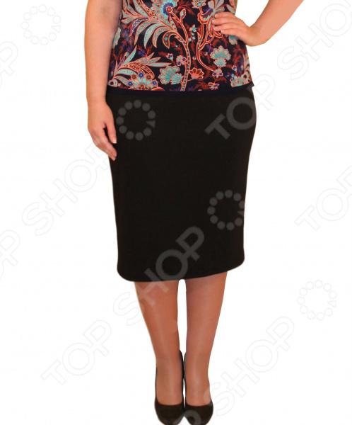 Юбка Матекс «Венера». Цвет: черныйЮбки<br>Юбка Венера прекрасная вещь для создания легкого женственного образа, которая идеально впишется в ваш гардероб. Удобная юбка сделана из легкой и приятной на ощупь ткани, поэтому прекрасно подойдет для повседневного использования.  Классическая юбка-карандаш.  Широкий пояс на резинке.  Есть небольшой разрез сзади.  Идеально подходит для любого типа фигуры и возраста. Материал 40 хлопок, 55 полиэстер, 5 лайкра отлично выдерживает многократные стирки, сохраняет форму и цвет.<br>