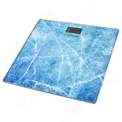 Весы Lumme LU-1328Весы<br>Весы Lumme LU-1328 стильное и незаменимое устройство, которое позволит внимательно следить за изменениями в весе. Оно станет незаменимым спутником для тех, кто следит за своим весом. Платформа весов изготовлен из прочного стекла. Конструкция весов может выдержать до 180 кг, высокая точность показаний в 100 г позволяет следить даже за самыми незначительными изменениями в весе. Весы располагают функцией автоматического отключения и индикатором низкого заряда батареи, что также является дополнительным преимуществом. Вам больше не придется переживать о том, что устройство перестанет работать в самый ответственный момент. Благодаря элегантному дизайну, компактные и тонкие весы станут прекрасным и функциональным дополнением любого интерьера. Особенности данной модели весов:  прибор включается легким нажатием ноги;  закругленные края не позволят вам пораниться;  крупные цифры на LCD-дисплее;  работает за счет батарейки типа CR 2032;  нет функции памяти. Рекомендации к применению: Для более точных показателей весы необходимо устанавливать на твердых поверхностях, так как ковровые покрытия могут повлиять на достоверность данных.<br>