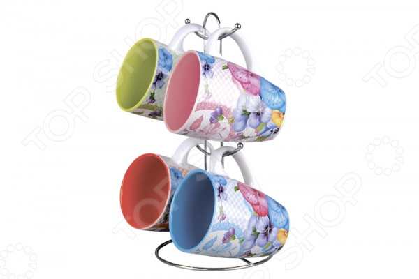 Набор кружек Коралл Анютины глазки незаменимый элемент повседневного чаепития. Иногда так приятно выпить чаю или какао в компании близких и друзей из аккуратных кружек. Именно поэтому этот набор займет достойное место на любой кухне или же станет прекрасным подарочным вариантом в честь знаменательного события. В комплекте 4 кружки и металлическая подставка.