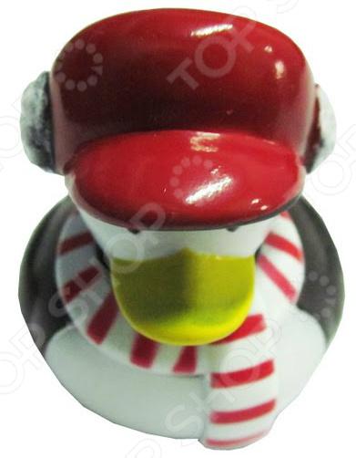 Игрушка для ванны детская «Утенок в красной кепке»Игрушки для ванны<br>Игрушка для ванны Утенок в красной кепке предназначена для таких маленьких, но уже таких любознательных малышей. Модель создана в забавном, красочном стиле и имеет округлые очертания, что очень нравится детям. Забавный утенок сделает ежедневное купание увлекательным процессом, который займет вашего кроху на весь период принятия водных процедур. Игрушка способствует развитию зрительной координации, воображения и мелкой моторики рук малыша. Кроме того, тренируется наблюдательность, образное восприятие и логическое мышление. Почему стоит купить игрушку для ванной Утенок в красной кепке  Развлечет ребенка во время купания.  Выполнена в оригинальном дизайне.  В качестве материалов использован высококачественный силикон.<br>
