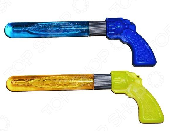 Мыльные пузыри Shantou Gepai «Пистолет». В ассортиментеМыльные пузыри<br>Товар продается в ассортименте. Цвет изделия при комплектации заказа зависит от наличия товарного ассортимента на складе. Мыльные пузыри Shantou Gepai Пистолет это замечательный подарок для вашего малыша! Что может быть увлекательнее, чем выдувать мыльные пузыри и наблюдать за тем, как они парят в воздухе Переливаясь в лучах солнца, большие или маленькие невесомые шарики дарят радость и хорошее настроение не только ребенку, но и его родителям. Мыльные пузыри будут хорошим дополнением к праздничному мероприятию, например, детскому утреннику или Дню Рождения. Объем составляет 70 мл.<br>