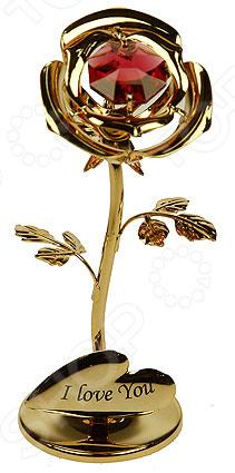Фигурка декоративная Crystocraft «Роза» с кристаллами Swarovski 67493Статуэтки и фигурки<br>Фигурка декоративная Crystocraft Сердечко с кристаллами Swarovski 67105 не только внесет яркий акцент в интерьер вашего дома, но и отлично подойдет в качестве сувенирного подарка родным и близким. Модель выполнена из позолоченного металла, отличается оригинальным дизайном и великолепным качеством исполнения. Подобные элементы декора широко используются в оформлении интерьера и позволяют придать ему еще больше гармоничности и нетривиальности. В качестве декоративной составляющей используются кристаллы Swarovski, которые, на сегодняшний день, являются одним из самых популярных видов отделки для украшений и бижутерии. От обычных страз их отличает неповторимый лучистый блеск и специфическая огранка.<br>