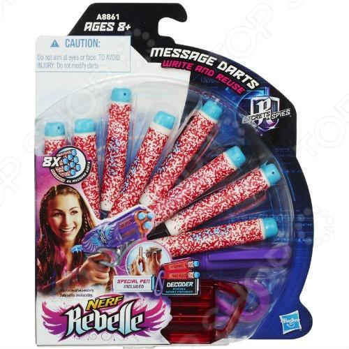 Комплект стрел Hasbro Message DartsАрбалеты. Луки<br>Комплект стрел Hasbro Message Darts дополнительный набор для веселой и интересной игры с друзьями. Чтобы быть полностью вооруженным и не бояться потерять хотя бы одну стрелу, обязательно нужно иметь дополнительный запас. В упаковке вы найдете 8 разноцветных стрелы, переносной декодер сообщений и специальный маркер. С помощью маркера пишите на стреле невидимыми чернилами тайное послание для своего друга, вставляйте снаряд в бластер и стреляйте. Когда друг найдет ваш патрон, он сможет прочитать тайное сообщение с помощью декодера, через специальные красные панели которого проступят буквы. Сообщение может быть удалено с поверхности стрелы, если ее протереть влажной губкой.<br>