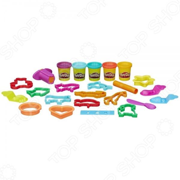 Набор для лепки из пластилина Hasbro «Контейнер с инструментами»Лепка из пластилина<br>Набор для лепки из пластилина Hasbro Контейнер с инструментами превосходный подарок детям от трех лет. С этим замечательным набором процесс лепки превратится не просто в увлекательную игру, а в серьезное исследование. Ребенок сможет придумывать и создавать различные предметы самостоятельно или же с помощью взрослых. Занятия лепкой крайне полезны, поскольку направлены на развитие мелкой моторики рук и формирование творческого мышления. Изготовлено из безопасных нетоксичных материалов. В наборе 5 баночек с пластилином и инструменты для лепки.<br>