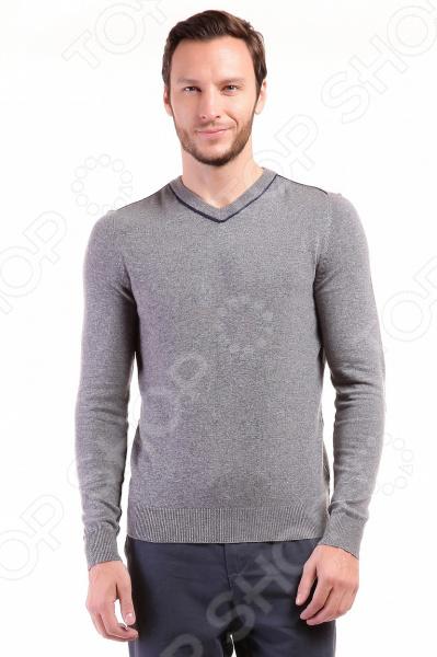 Джемпер Baon B636502Джемперы. Кардиганы. Свитеры<br>Стильный образ это просто! Джемпер Baon B636502 предназначен специально для мужчин. Представленная модель отлично подойдет для ежедневной носки по дому или в офисе в осенне-зимний период. Использованная цветовая гамма дает возможность сочетать джемпер практически с любой одеждой, а украшенные отделкой контрастного цвета швы, придают изделию стильный и модный вид. Благодаря новым технологиям, абсорбция влаги в точке контакта ткани с телом происходит намного быстрей.  Джемпер Baon B636502 изготовлен из теплого трикотажа плотной вязки. Основу ткани составляют акрил, полиамид и шерсть. Такая комбинация материалов обладает целым рядом отличных потребительских свойств: воздухопроницаемость, гигроскопичность, мягкость, устойчивость к истиранию. Изделие крайне практично оно не деформируется, не садится и не линяет даже после множества стирок. На предприятиях производителя используется высокотехнологичное современное оборудование, отвечающее всем мировым стандартам и обеспечивающее высокое качество продукции.  Оцените преимущества джемпера от бренда Baon:  Подойдет как для повседневного ношения, так и для создания офисных образов.  Подчеркнет модность вашего гардероба.  Выполнен из качественных материалов и дополнен контрастной отделкой швов.  Легок в уходе, не линяет, не садится при стирке.<br>