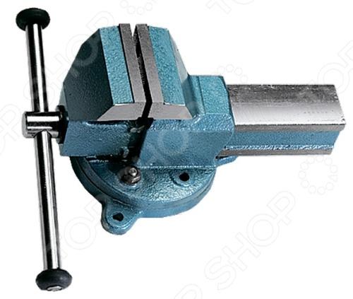 Тиски слесарные поворотныеЗажимной инструмент<br>Тиски слесарные поворотные станут прекрасным дополнением к вашему слесарному инструменту. Представленная модель предназначена для зажима деталей в положении, удобном для их обработки. Тиски изготовлены из стали С35Л, что гарантирует надежность и долговечность, а окрашенные части защитят инструмент от коррозии. Рельефные губки обеспечивают отменную точность прилегания и надежный захват заготовок.<br>