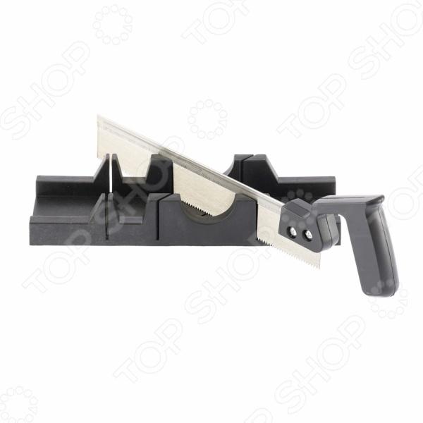 Стусло SPARTA 225305Стусла<br>Стусло SPARTA 225305 приспособление, используемое для удобства пиления заготовок под прямым углом и под углом 45 градусов. Оно станет отличным дополнением к набору ваших инструментов и пригодится при проведении различных столярных работ. Изделие выполнено из пластика в виде прямоугольного лотка с боковыми прорезями для прохождения пилы. В комплект поставки входит ручная пила. Максимальная толщина обрабатываемой заготовки составляет 40 мм.<br>