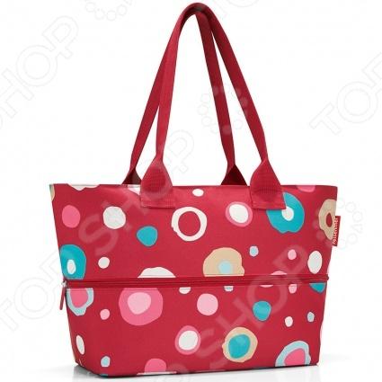 Сумка для покупок Reisenthel Shopper E1 funky dots 2 это удобная сумка, которая подходит для любых предметов. Можно использовать ее для походов в магазин, на работу или учебу, на пикник и для любого повседневного использования. Просторная сумка имеет внутренний объем на 20 литров, закрывается на широкую молнию, которую можно открывать одной рукой. Внутри есть вместительный карман на молнии для мелких предметов. Можно увеличить вместимость сумки до 18 литров.