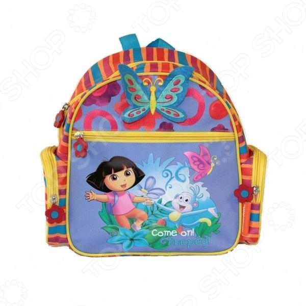 Рюкзак детский Gulliver «Даша-путешественница»Аксессуары к одежде для детей<br>Рюкзак детский Gulliver Даша-путешественница , выполненный из износостойкой ткани. Имеет объемное внутренне отделение, есть прямоугольный кармашек, и два небольших по бокам. Вашему ребенку обязательно понравиться вместительный красочный рюкзак с любимым персонажем. Он сможет положить в рюкзак и взять с собой свои любимые игрушки куда угодно: на прогулку, в садик или в гости.<br>