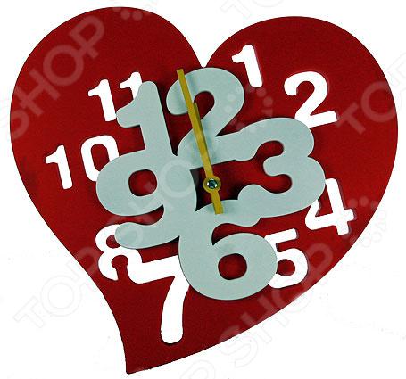 Часы настенные «Сердечко» 222419Часы настенные<br>Часы уже давно перестали быть предметом исключительно практического назначения. Сегодня они являются еще и отличным элементом декора, который вполне может стать настоящей изюминкой вашего интерьера. Разнообразие форм, цветов и стилистических решений способны удовлетворить вкус даже самых требовательных и взыскательных покупателей. Часы настенные Сердечко 222419 это сочетание непревзойденного качества и стильного современного дизайна. Они прекрасно впишутся в интерьер гостиной или спальни, добавив ему яркости и нетривиальности. Циферблат часов выполнен в виде сердечка с крупными цифрами и снабжен часовой и минутной стрелками. Предусмотрен аналоговый способ отражения времени. Часы работают от батареек типа АА приобретаются отдельно .<br>