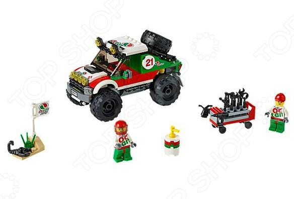Конструктор-игрушка LEGO «Внедорожник 4x4»Конструкторы LEGO<br>Конструктор-игрушка Lego Внедорожник 4x4 отличный подарок как для детей, так и взрослых. За десятки лет существования бренд успел завоевать любовь миллионов людей по всему миру, ведь компания с большим вниманием относится к созданию своей продукции. Они постоянно воплощают новые идеи, при этом концепция деталей остается практически неизменной. Это означает, что элементы разных наборов совместимы между собой. Конструкторы такого типа развивают пространственное и логическое мышление, фантазию, творческие способности и мелкую моторику рук. А с каждым новым набором в коллекции будут расширяться варианты игровых сценариев.<br>