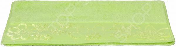 Полотенце махровое Hobby Home Collection Dora. Цвет: зеленыйПолотенца<br>Полотенце махровое Hobby Home Collection Dora это небольшой, но важный предмет быта, от выбора которого многое зависит. Представленная модель мгновенно впитывает воду, быстро высыхает, не раздражает кожу, а еще дополняет интерьер, создавая в доме обжитую, уютную атмосферу. Благодаря высокому качеству материалов, изделие приятно на ощупь и сохраняет свои свойства даже в условиях интенсивного использования.  Оцените преимущества полотенец от бренда Hobby Home Collection:  Выполнено из высококачественного гипоаллергенного материала.  Имеет мягкую текстуру и прекрасно впитывает влагу.  Дополнено изысканным декором.  Легко в уходе, не деформируется и не выцветает даже после многочисленных стирок.  Тип ткани: махровая. Махровая ткань изготовлена из натурального волокна, а ее поверхность состоит из мягкого ворса. Благодаря этому ткань обладает свободным дыханием она великолепно пропускает воздух и впитывает воду. Прикасаясь к человеческой коже, махра оказывает легкий массажный эффект, не вызывая раздражения даже у чувствительных людей и детей. Поэтому она чаще других используется для производства домашней одежды, комплектов для ванной и для спальни, в общем, для всех ситуаций, где нам необходима исключительно мягкая и деликатная ткань. Еще один плюс махровой ткани после стирки она остается такой же мягкой, нежной, и пушистой, как до нее.<br>