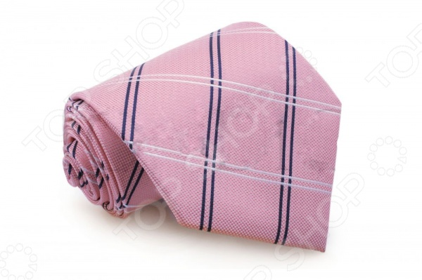 Галстук Mondigo 33220Галстуки. Бабочки. Воротнички<br>Галстук Mondigo 33220 это галстук из микрофибры, украшен крупной клеточкой из двойных линий. Он подходит как для повседневной одежды, так и для эксклюзивных костюмов. Подберите галстук в соответствии с остальными деталями одежды и вы будете выглядеть идеально! В современном мире все большее распространение находит классический стиль одежды вне зависимости от типа вашей работы. Даже во время отдыха многие мужчины предпочитают костюм и галстук, нежели джинсы и футболку. Если вы хотите понравится девушке, то удивить ее своим стилем это проверенный метод от голливудских знаменитостей. Для того, чтобы каждый день выглядеть по-новому нет необходимости менять галстуки, можно сменить вариант узла, к примеру завязать:  узким восточным узлом, который подойдет для деловых встреч;  широким узлом Пратт , который прекрасно смотрится как на работе, так и во время отдыха;  оригинальным узлом Онассис , который удивит всех ваших знакомых своей неповторимый формой.<br>