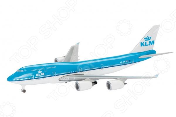 Самолет коллекционный Schabak KLM B747-400 представляет собой точную копию настоящего воздушного судна. Особенность коллекции в том, что все модели изготовлены по лицензии именитых производителей. Самолет с элементами пластика обладает потрясающей детализацией. Выполнена из металла цинк , на шасси и подставка. Колеса не крутятся. Яркий самолет разнообразит игровые ситуации, откроет новые сюжеты для маленького летчика и поможет развить мелкую моторику рук, внимание и координацию движений.