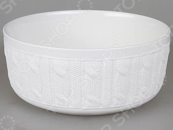 Салатник Rosenberg 1019Салатницы<br>Салатник Rosenberg 1019 это надежный и легкий в использовании элемент сервировки стола, предназначенный для подачи холодных блюд. Великолепная износоустойчивость и стильный современный дизайн в сочетании с удобством использования позволят посуде отлично дополнить как домашний интерьер, так и уютное кафе. Изделие выполнено из керамики, что гарантирует долгий срок службы и хорошую износоустойчивость.<br>
