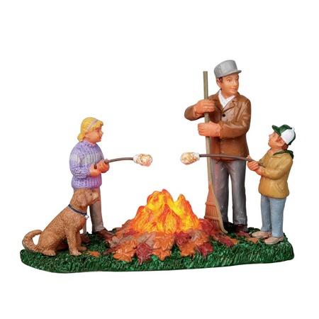 Купить Фигурка керамическая Lemax «Сжигание листьев»