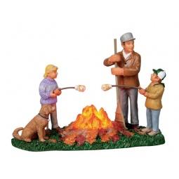 фото Фигурка керамическая Lemax «Сжигание листьев»