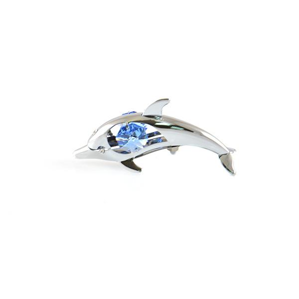 Фигурка декоративная Crystocraft «Дельфин» с кристаллами Swarovski 67430Статуэтки и фигурки<br>Фигурка декоративная Crystocraft Дельфин с кристаллами Swarovski 67430 не только внесет яркий акцент в интерьер вашего дома, но и отлично подойдет в качестве сувенирного подарка родным и близким. Модель выполнена из хромированного металла, отличается оригинальным дизайном и великолепным качеством исполнения. Подобные элементы декора широко используются в оформлении интерьера и позволяют придать ему еще больше гармоничности и нетривиальности. В качестве декоративной составляющей используются кристаллы Swarovski, которые, на сегодняшний день, являются одним из самых популярных видов отделки для украшений и бижутерии. От обычных страз их отличает неповторимый лучистый блеск и специфическая огранка.<br>