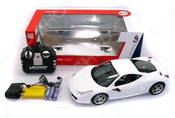 Машина на радиоуправлении Shantou Gepai 627795Машинки, мотоциклы, квадроциклы радиоуправляемые<br>Машина на радиоуправлении Shantou Gepai 627795 со световыми эффектами станет отличным подарком для юного любителя автомобильных гонок. Модель гоночного автомобиля, выполненная с особым вниманием к деталям, будет изо дня в день радовать ребенка. Игрушка представляет собой пластиковую модель, которая управляется при помощи беспроводного пульта дистанционного управления. Работает от батареек, которые приобретаются отдельно.<br>