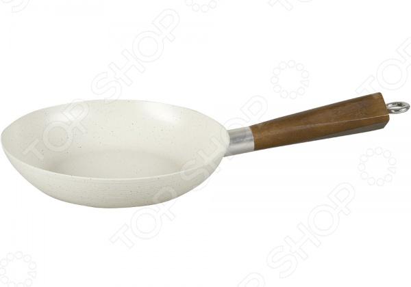 Сковорода POMIDORO F2045Сковороды<br>Используя сковороду POMIDORO F2045 из коллекции Punto вы сможете приготовить любое блюдо, полив дно минимальным количеством масла. Сковорода выполнена из штампованного алюминия. Оснащена не нагревающейся ручкой из тонированного дерева со стальным каркасом и двухточечным креплением. Внутренняя поверхность с мраморным керамическим покрытием Kerano , к которому практически ничего не пригорает, обеспечивает сохранность вкусовых свойств блюда. Покрытие отличается не только красивым внешним видом, но и устойчивостью к царапинам, долговечностью и прочностью. Также стоит отметить, что сковороду можно отчистить достаточно быстро. Особенности сковороды:  Увеличенная рабочая поверхность.  Специальное финишное NANO-покрытие.  При нанесении покрытия не использовалась перфоктановая кислота PTFE .  Предусмотрена специальная индукционная конструкция для равномерного распределения тепла.<br>