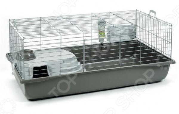 Клетка для кролика Beeztees Deluxe это один из самых важных аксессуаров, поэтому при покупке нового домика для вашего питомца стоит быть особенно внимательным. Выбирая клетку, надо уделить особое внимание ее размерам, ведь крайне важно, чтобы четвероногому другу в ней не было тесно. Также немаловажными являются материалы изготовления и комплектующие. Представленная модель является образцом того каким должно быть жилье грызуна, т.к. при ее разработке учитывались все особенности строения тела этого мелкого животного. Клетка Beeztees Deluxe позволит организовать домашнему любимцу комфортное место для жилья, игр и отдыха. На разных уровнях размещены поилка, кормушка и место для отдыха. Корпус выполнен из металла, что гарантирует долгий срок службы модели, а съемный пластиковый поддон существенно облегчает уборку. При необходимости транспортировки, по бокам предусмотрены небольшие ручки.