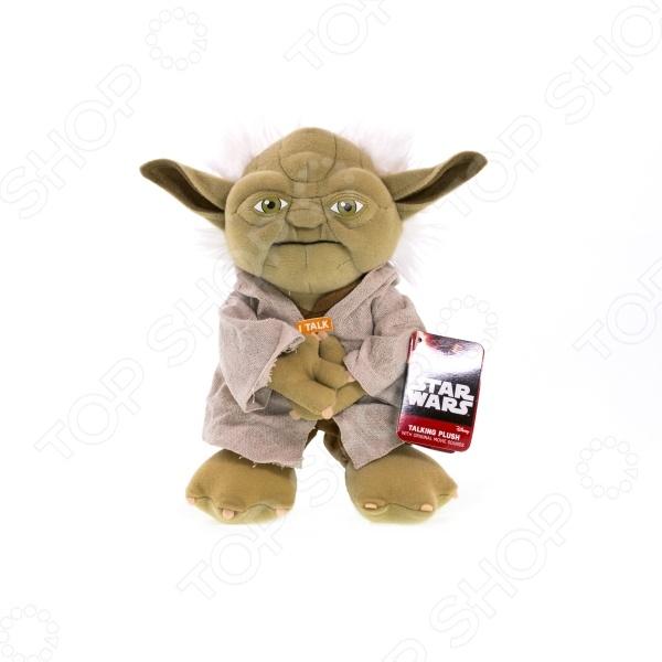 Мягкая игрушка со звуком Star Wars «Йода» SW02367Мягкие игрушки<br>Игрушка мягкая со звуком Star Wars Йода SW02367 - оригинальная и необычная игрушка, которую по достоинству оценят истинные поклонники знаменитой киносаги Звездные Войны . Мягкая игрушка выполнена в виде одного из главных персонажей - великого магистра Йоды, и отличается удивительной детализацией, что делает этого миниатюрного персонажа удивительно похожим на своей реальный прототип. Внутрь встроен специальный звуковой чип, благодаря которому игрушка может воспроизводить основные фразы на английском языке голосом Йоды. Игрушка выполнена из качественного материала с мягким и упругим наполнителем. Внимание! Игрушку нельзя стирать!<br>