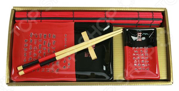Набор для суши 13778Наборы для суши<br>Набор для суши 13778 станет отличным приобретением для поклонников этого, необычайно вкусного, блюда восточной кухни. Не секрет, что суши и роллы, наряду с особой техникой приготовления, также предусматривают и особую технику подачи блюда к столу. В комплект входит все необходимое для сервировки: большое прямоугольное блюдо для суши, мисочка для соуса и бамбуковые палочки. Набор рассчитан на одну персону. Рекомендации по уходу: мыть посуду рекомендуется теплой водой с применением нейтральных моющих средств.<br>