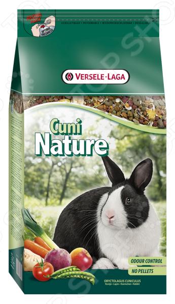 Корм для кроликов Versele-Laga Cuni NatureКорм Versele-Laga Cuni Nature предназначен специально для взрослых и карликовых кроликов. Ваш питомец будет в восторге от своего нового блюда. Семена, травы и овощи все эти компоненты не только разнообразят рацион пушистого зверька, но и обогатят его полезными витаминами, питательными веществами, микро- и макроэлементами. Высокое содержание клетчатки поможет правильному пищеварению. Сбалансированное лакомство легко усваивается, а также способствует равномерному стачиванию зубов домашнего любимца. Данный корм можно давать как основной, ведь он содержит все необходимое, чтобы грызун был сытым и здоровым. Основные преимущества корма Versele-Laga:  Уход за ротовой полостью и зубами грызуна;  Бережно высушенные овощи обеспечивают прекрасный вкус;  Низкая калорийность не позволит зверьку набирать лишний вес;  Целый комплекс витаминов для поддержания здоровья грызуна;  Экстракт Юкки снижает запах от выделений.<br>