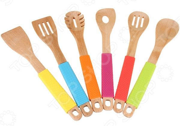 Набор кухонных принадлежностей POMIDORO PWD-180001Наборы кухонных принадлежностей<br>Набор кухонных принадлежностей POMIDORO PWD-180001 станет великолепным и незаменимым дополнением вашей кухонной утвари. В набор входят: лопатка, лопатка с прорезями, ложка кондитерская, ложка, шумовка и ложка для спагетти инструменты, которые сделают повседневное приготовление пищи ещё более простым и быстрым. Кухонные инструменты выполнены из качественных материалов, которые отличаются своей прекрасной износоустойчивостью. Рабочая часть выполнена из высококачественного дерева. Этот экологически чистый материал не вступает с продуктами в химические реакции, а значит не будет портить вкус ваших кулинарных шедевров. Набор отлично подойдет для готовки в посуде с деликатным антипригарным покрытием. Все инструменты имеют яркие ручки с силиконовыми накладками, которые обеспечивают максимальное удобство во время готовки. В конструкции также предусмотрены утяжелители, чтоб позволяет ставить приборы на стол, не боясь его перепачкать.<br>