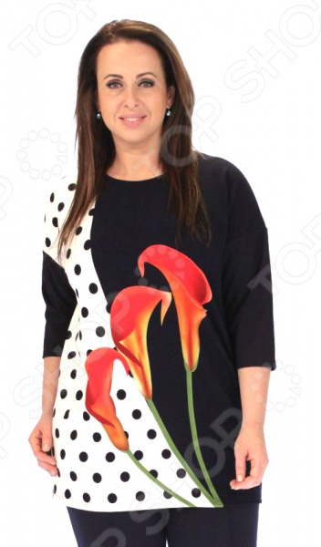 Блуза Wisell «Прелестные цветы»Блузы. Рубашки<br>Блуза Wisell Прелестные цветы это легкая и нежная блуза, которая поможет вам создавать невероятные образы, всегда оставаясь женственной и утонченной. Благодаря необычному дизайну блуза скрывает любые недостатки фигуры. Блуза прекрасно смотрится с брюками и юбками, а насыщенный цвет привлекает взгляд. Гармоничное сочетание цветов и фактур делают эту модель привлекательной и эффектной.  Круглый вырез изделия обработан внутренней обтачкой.  Втачные рукава со спущенной проймой, обработаны подгибкой.  Длина блузки ниже колена, а по переду изделия идёт яркий принт. Блуза изготовлена из приятного трикотажа полиэстер 95 и эластан 5 , благодаря чему материал не скатывается и не линяет после стирки. Полиэстер предохраняет вещь от измятия и быстро высыхает после стирки. Даже после длительных стирок и использования эта блуза будет выглядеть идеально. Швы обработаны синтетическими нитями, эластичными нитями, благодаря чему швы тянутся и не натирают.<br>
