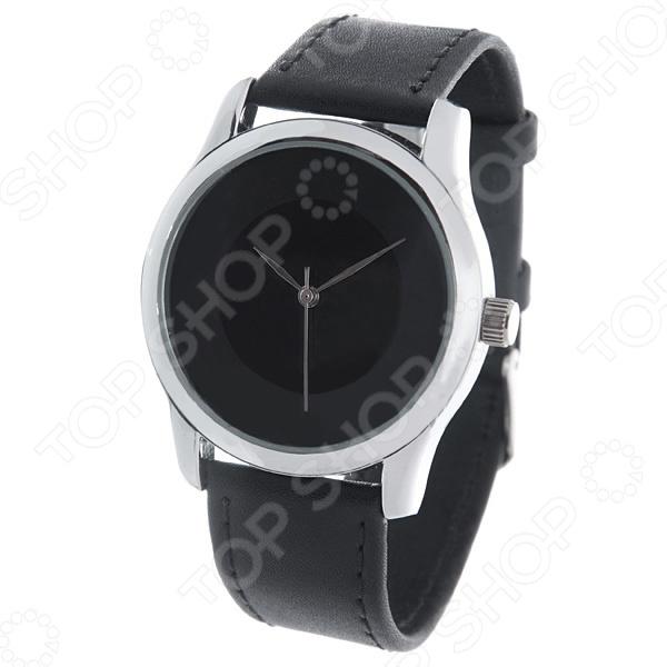 Часы наручные Mitya Veselkov «Черно-серый диск»Наручные часы унисекс<br>Не секрет, что правильно подобранные аксессуары вершат весь образ, добавляют ему законченности и помогают грамотно расставить цветовые акценты. Наручные часы же являются не просто стильным украшением, но и весьма функциональным аксессуаром. Именно поэтому, наряду с оригинальным дизайном и влиянием модных тенденций, при их выборе важно учитывать вид часового механизма и качество используемых материалов. Часы наручные Mitya Veselkov Черно-серый диск станут отличным дополнением к набору ваших аксессуаров. Модель отличается стильным дизайном и прекрасным качеством исполнения, хорошо сочетается с классическими нарядами и изящными украшениями. Корпус часов выполнен из минерального стекла и сплава металлов. Ремешок изготовлен из натуральной кожи, застежка классическая. Механизм часов кварцевый Citizen Япония .<br>
