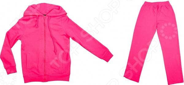 Костюм для девочки: ветровка и брючки RAV RAV03-015Детские костюмы<br>Костюм для девочки: ветровка и брючки RAV RAV03-015 качественный и удобный комплект одежды для маленькой модницы. Чудесный костюмчик ярко-розового цвета обязательно понравится каждой девочке. Комплект представлен ветровкой на змейке с большим капюшоном и карманами, а также курткой с фиксирующей поясной резинкой. Костюм изготовлен из высококачественного футера: лицевая сторона ткани гладкая, а внутренняя с мягким теплым начесом. Этот материал устойчив к появлению катышков и затяжек. После множественных стирок он не деформируется и не теряет яркость цветов рекомендуемый режим стирки не более 30 градусов . Футер невероятно мягок и приятен к телу, он обеспечивает необходимую циркуляцию воздуха, поэтому ребенок будет чувствовать себя в нем максимально комфортно. Костюм свободного кроя, он не стесняет движений, поэтому прекрасно подойдет как для обычных прогулок, так и для занятий спортом. Благодаря ворсистому слою комплект можно надеть и в холодное время он отлично защитит от холода.<br>
