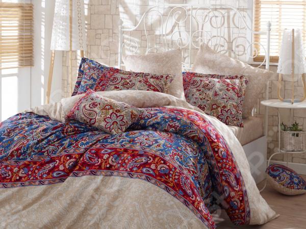 Комплект постельного белья Hobby Caterina. Цвет: красный. ЕвроЕвро<br>Комплект постельного белья Hobby Caterina для создания уюта и комфорта в спальной комнате. Человек треть своей жизни проводит в постели, и от ощущений, которые вы испытываете при прикосновении к простыням или наволочкам, многое зависит. Чтобы сон всегда был комфортным, а пробуждение приятным, мы предлагаем вам этот комплект постельного белья. Приятный цвет и высокое качество комплекта гарантирует, что атмосфера вашей спальни наполнится теплотой и уютом, а вы испытаете множество сладких мгновений спокойного сна. Оцените преимущества постельного белья:  Мягкая, гладкая и шелковистая поверхность ткани.  Двойное нитяное плетение.  Легко стирать и гладить, не беспокоясь о потере формы и цвета.  Белье из текстиля высокого качества, сделанное по специальной технологии сложного переплетения нескольких видов нитей. Способно хорошо пропускать воздух и впитывать влагу. Также имеет отличные характеристики усадки и практически не мнется. Дизайн белья предусматривает красочные рисунки, нанесенные на ткань методом реактивной печати. Перед первым применением комплект постельного белья рекомендуется постирать. Перед этим выверните наизнанку наволочки и пододеяльник. Для сохранения цвета не используйте порошки, которые содержат отбеливатель. Рекомендуемая температура стирки 40 С и ниже, без использования кондиционера или смягчителя воды.<br>