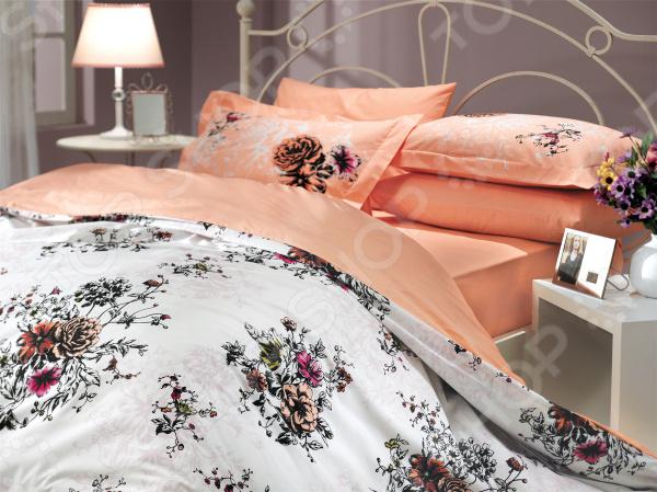 Комплект постельного белья Hobby Home Collection Carmen. Цвет: персиковый. ЕвроЕвро<br>Комплект постельного белья Hobby Home Collection Carmen это удобное постельное белье, которое подойдет для ежедневного использования. Чтобы ваш сон всегда был приятным, а пробуждение легким, необходимо подобрать то постельное белье, которое будет соответствовать всем вашим пожеланиям. Приятный цвет, нежный принт и высокое качество ткани обеспечат вам крепкий и спокойный сон. Поплин, из которого сшит комплект отличается следующими качествами:  достаточно мягка и приятна на ощупь, не имеет склонности к скатыванию, линянию, протиранию, обладает повышенной гигроскопичностью, практически не мнется, не растягивается, не садится, не выгорает, гипоаллергенна, хорошо отстирывается и не теряет при этом своих насыщенных цветов;  современное нанесение рисунка прекрасно передаёт цвет и мельчайшие детали изображения;  за счёт специального переплетения волокон ткань устойчива к механическим воздействиям.  Перед первым применением комплект постельного белья рекомендуется постирать. Перед стиркой выверните наизнанку наволочки и пододеяльник. Для сохранения цвета не используйте порошки, которые содержат отбеливатель. Рекомендуемая температура стирки: 40 С и ниже без использования кондиционера или смягчителя воды. Постельное белье позволит разнообразить весь ваш интерьер. Ведь застеленная таким красивым комплектом кровать не может не привлекать взгляд. Приятная цветовая гамма и классический рисунок наполнят спальню особым шармом и теплом. Каждая минута, проведенная в комнате, будет вызывать исключительно приятные эмоции. Если к вам внезапно заглянут гости, то они без сомнения оценят ваш удачный вкус. Этот комплект может стать прекрасным подарком на свадьбу или удачным подарком на любой праздник для ваших знакомых или родных!<br>
