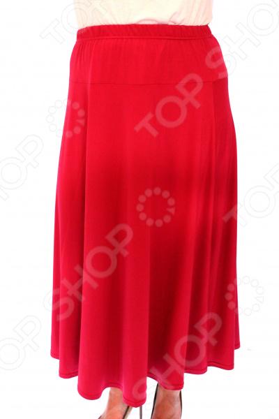 Юбка Svesta «Розалинда». Цвет: малиновыйЮбки<br>Юбка Svesta Розалинда прекрасная вещь для создания легкого женственного образа, которая идеально впишется в весенне-летний гардероб благодаря свободному крою и приятному материалу. Удобная юбка сделана из легкой ткани, поэтому прекрасно подойдет для повседневного использования.  Легкая юбка с кокеткой до бедра.  Пояс на резинке удобно сидит на талии и не ограничивает движений.  Длина чуть ниже колена, это отличный вариант для лета! Юбка сшита из приятной на ощупь ткани 70 полиэстер, 25 вискоза, 5 лайкра . Материал не мнется, не скатывается и не линяет, быстро высыхает после стирки. Это уникальная модель, которую можно приобрести только на нашем телеканале!<br>