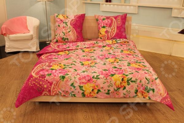 Комплект постельного белья «Восторженность». 2-спальный2-спальные<br>Комплект постельного белья Восторженность это удобное постельное белье, которое подойдет для ежедневного использования. Чтобы ваш сон всегда был приятным, а пробуждение легким, необходимо подобрать то постельное белье, которое будет соответствовать всем вашим пожеланиям. Приятный цвет, нежный принт и высокое качество ткани обеспечат вам крепкий и спокойный сон. 100 полиэстер, из которого сшит комплект отличается следующими качествами:  достаточно мягка и приятна на ощупь, не имеет склонности к скатыванию, линянию, протиранию, обладает повышенной гигроскопичностью, практически не мнется, не растягивается, не садится, не выгорает, гипоаллергенна, хорошо отстирывается и не теряет при этом своих насыщенных цветов;  современная фотопечать прекрасно передаёт цвет и мельчайшие детали изображения;  за счёт специального переплетения волокон ткань устойчива к механическим воздействиям. Ткань устойчива к механическим воздействиям. Перед первым применением комплект постельного белья рекомендуется постирать. Перед стиркой выверните наизнанку наволочки и пододеяльник. Для сохранения цвета не используйте порошки, которые содержат отбеливатель. Рекомендуемая температура стирки: 40 С и ниже без использования кондиционера или смягчителя воды.<br>