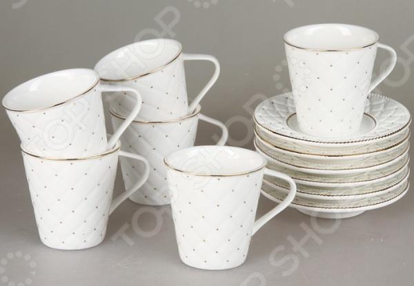 Чайный сервиз Rosenberg 8710Чайные и кофейные сервизы и наборы<br>Чайный сервиз Rosenberg 8710 это симпатичный чайный набор, который станет прекрасным подарком на любой праздник: свадьбу, день рожденья, юбилей или новоселье. Набор выполнен из высококачественного материала, который отличается повышенной износостойкостью и украшен красивым декоративным рисунком. Такой набор станет украшением любого повседневного стола. Комплект поставляется в подарочной коробке, в комплекте 12 предметов:  чашка: 175 мл;  блюдце 13х13 см.<br>