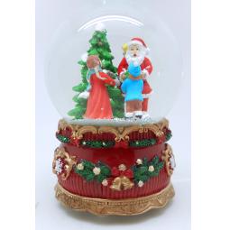 фото Снежный шар музыкальный Crystal Deco «Вручение подарков от Санты»