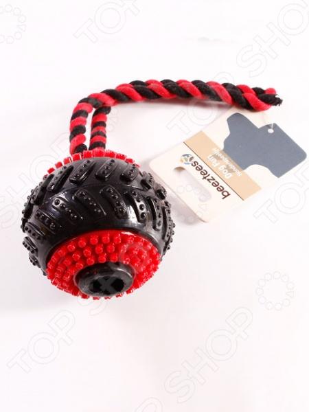 Игрушка для собак Beeztees «Мяч шипованный на веревочке»