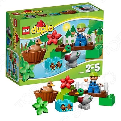 Конструктор LEGO Уточки в лесуКонструкторы LEGO<br>Конструктор Lego Уточки в лесу обязательно понравится ребенку. Он сможет самостоятельно собрать целую композицию, с которой потом можно будет играть. Играя с конструктором, ребенок будет развивать пространственное и логическое мышление, творческие способности и мелкую моторику рук. Кроме того, с получившейся игрушкой он сможет самостоятельно придумывать различные игровые ситуации, развивая тем самым и фантазию. Ребенок сможет самостоятельно построить мост через реку, на берегу которой с маленькими утятами играют мама-утка и папа-селезень. В комплект входит фигурка ребенка, утка и селезень.<br>