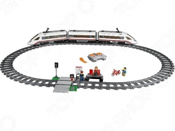Конструктор LEGO Скоростной пассажирский поездКонструкторы LEGO<br>Конструктор Lego Скоростной пассажирский поезд - максимально реалистичная игрушка на пульте управления станет великолепным подарком для вашего малыша! Два больших локомотива обтекаемой формы могут целый состав в обоих направлениях. В комплект входит множество аксессуаров, которые выполнены с максимальной точностью. Ребенок сможет поместить фигурку путешественника в вагон и даже воспользоваться багажным отделением. Яркие и качественные элементы конструктора выполнены из прочного и безопасного пластика, легко складываются и компонуются. Ребенок с увлечением будет собирать конструктор и придумывать новые сюжеты для игр. Подобные игры способствуют развитию воображение, мелкой моторики и логики. Занятия с конструктором увлекут не только ребенка, но и взрослого. Подарите себе и своему малышу массу положительных эмоций и отличное настроение!<br>