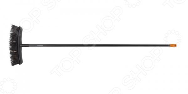 Метла садовая универсальная Fiskars Solid