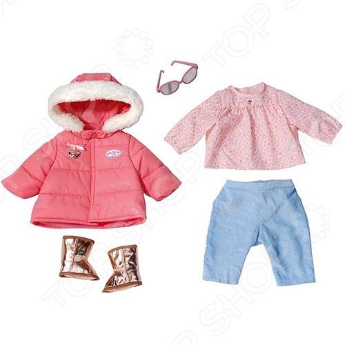 Набор одежды для интерактивных кукол Zapf Creation BABY Annabell 793-961 это набор сменной одежды для любимой куклы. Ведь каждая девочка в душе большая модница. И она не может не наряжать и свою любимицу куклу. В таком наряде Бэби Аннабэль не замерзнет даже в холодные зимние дни. В комплект также входят затемненные солнечные очки.
