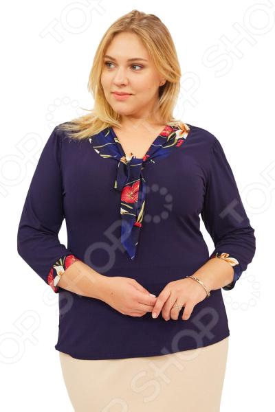 Блуза Матекс «Валентина». Цвет: бордовыйБлузы. Рубашки<br>Блуза Матекс Валентина незаменимая вещь в гардеробе модницы. Подойдет для женщин практически любой комплекции, ведь особенности кроя помогают скрыть недостатки и подчеркнуть достоинства фигуры. Эта блуза полуприталенного силуэта отлично подойдет для повседневного использования.  Удобная длина на уровне бедра будет идеально смотреться на женщинах с любым типом фигуры и любого возраста.  Выразительный фасон позволяют надеть ее не только в офис или на прогулку, но и на официальные мероприятия.  V-образный вырез горловины украшен галстуком.  Галстук выполнен из яркого цветочного принта.  На фото с юбкой Венера . Блуза изготовлена из высококачественного трикотажа 95 вискоза, 5 полиэстер . Полиэстер предохраняет вещь от измятия и быстро высыхает после стирки. Швы обработаны текстурированными, эластичными нитями, благодаря чему не тянутся и не натирают кожу.<br>
